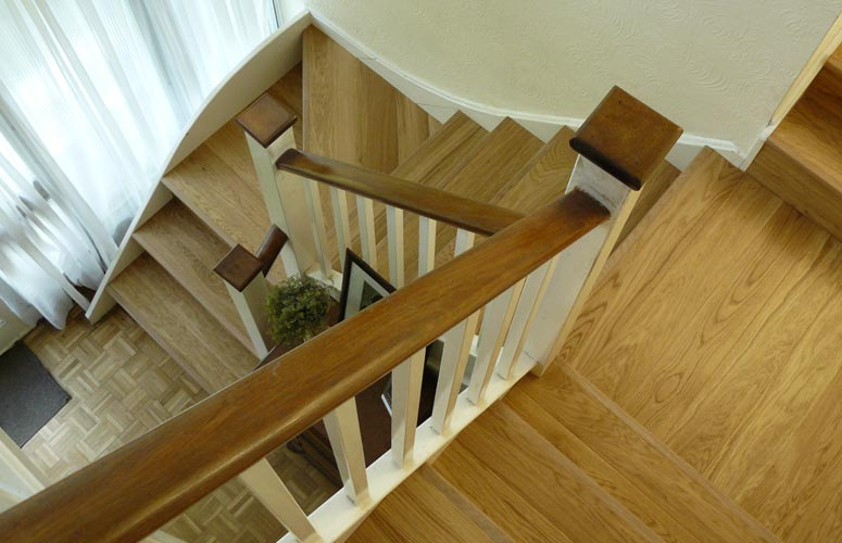 Oak-clad staircase.